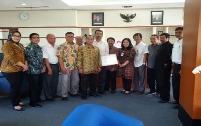 SMAN 9 Bandung Mendapat CSR dari Bank BJB